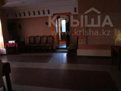 Здание, площадью 246 м², Мухамеджанова Тынышбаева д.50 за 50 млн 〒 в Актобе — фото 4