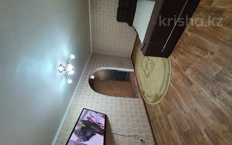 2-комнатная квартира, 46 м², 1/5 этаж, Назарбаева за 13.5 млн 〒 в Караганде, Казыбек би р-н
