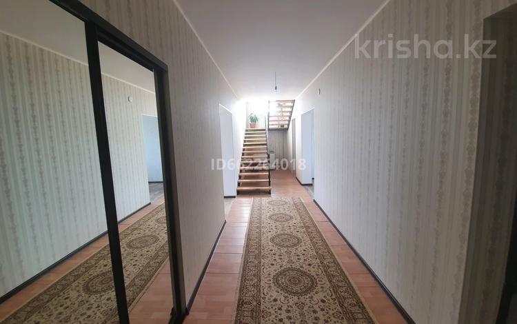 6-комнатный дом, 200 м², 10 сот., 18 МКР 1/45 — Буранная за 35 млн 〒 в Усть-Каменогорске