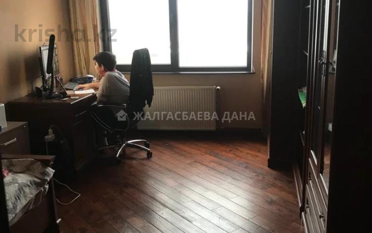 4-комнатная квартира, 140 м², 7/7 этаж, Кабанбай батыра 51 за 130.5 млн 〒 в Алматы, Медеуский р-н