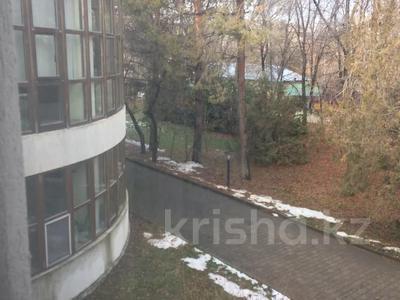 Здание, площадью 3691.2 м², Достык 248Б за ~ 1.9 млрд 〒 в Алматы, Медеуский р-н — фото 11