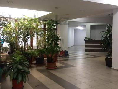 Здание, площадью 3691.2 м², Достык 248Б за ~ 1.9 млрд 〒 в Алматы, Медеуский р-н — фото 21