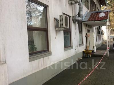 Здание, площадью 3691.2 м², Достык 248Б за ~ 1.9 млрд 〒 в Алматы, Медеуский р-н — фото 7