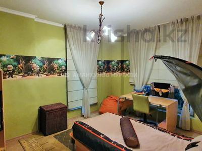 4-комнатная квартира, 163 м², 2/7 этаж, Мкр. Мирас 157/2 за 130 млн 〒 в Алматы, Бостандыкский р-н — фото 12