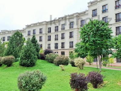 4-комнатная квартира, 163 м², 2/7 этаж, Мкр. Мирас 157/2 за 130 млн 〒 в Алматы, Бостандыкский р-н — фото 15