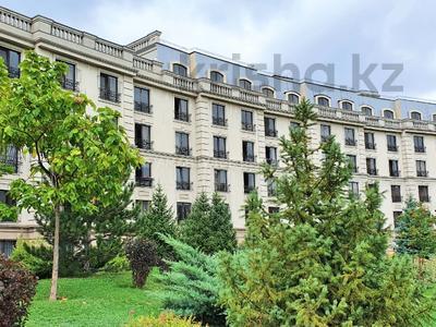 4-комнатная квартира, 163 м², 2/7 этаж, Мкр. Мирас 157/2 за 130 млн 〒 в Алматы, Бостандыкский р-н — фото 18