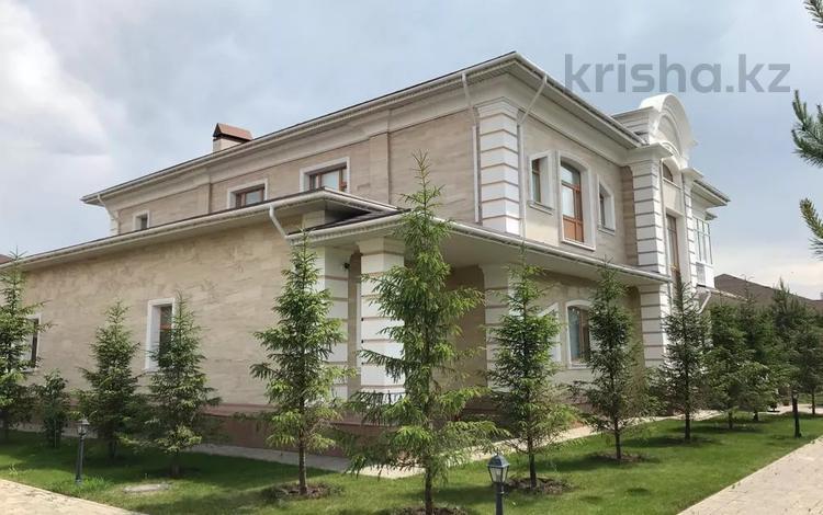 10-комнатный дом помесячно, 600 м², 15 сот., Депутатский А-24 за 3 млн 〒 в Нур-Султане (Астана), Алматы р-н