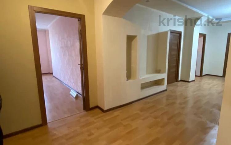 3-комнатная квартира, 100 м², 16/17 этаж, Кенесары 65 за ~ 24 млн 〒 в Нур-Султане (Астана), р-н Байконур