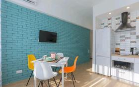 1-комнатная квартира, 42 м², 3/9 этаж посуточно, улица Камзина 41/1 за 12 000 〒 в Павлодаре