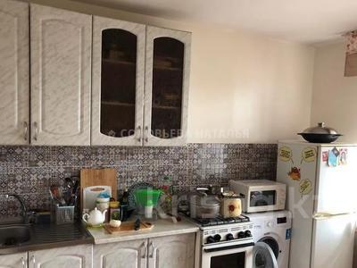 2-комнатная квартира, 50 м², 5/5 этаж, мкр Тастак-2 — Тлендиева за 14.3 млн 〒 в Алматы, Алмалинский р-н