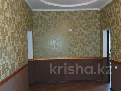 6-комнатный дом, 229 м², 17 сот., Курилкино — Химик за 23 млн 〒 в Атырау — фото 10
