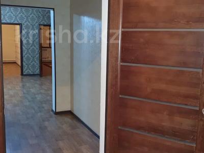 6-комнатный дом, 229 м², 17 сот., Курилкино — Химик за 23 млн 〒 в Атырау — фото 4