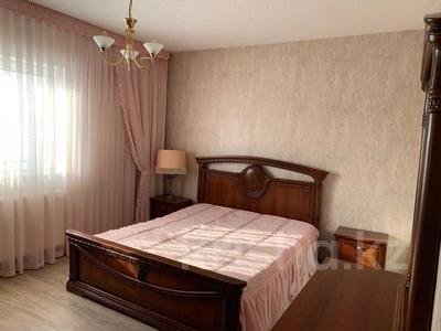 4-комнатная квартира, 90 м², 7/9 этаж помесячно, Касыма Аманжолова за 150 000 〒 в Нур-Султане (Астана), Алматинский р-н — фото 2