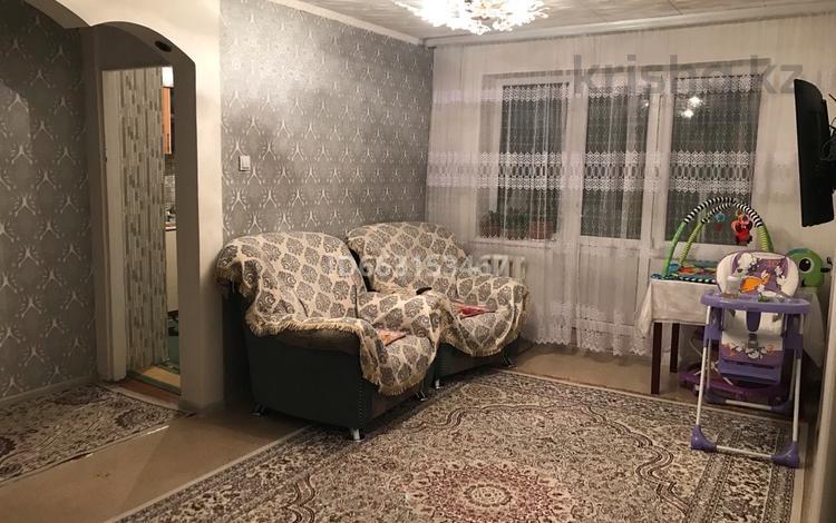 3-комнатная квартира, 57.3 м², 4/5 этаж, 410-й квартал 3 за 12.5 млн 〒 в Семее