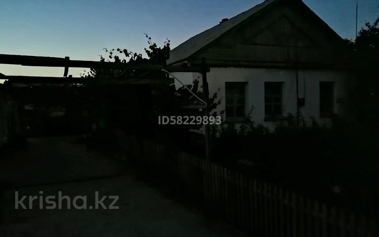 Дача с участком в 10 сот., Село Чубаровка 2 за 15 млн 〒 в Шымкенте