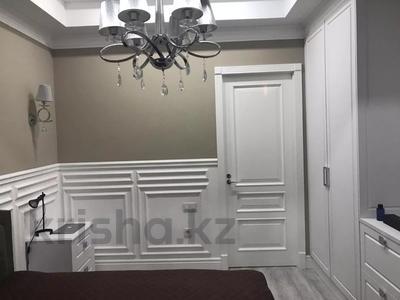 3-комнатная квартира, 100 м², 5/9 этаж помесячно, Микрорайон Самал-3 49 за 750 000 〒 в Алматы, Медеуский р-н — фото 8