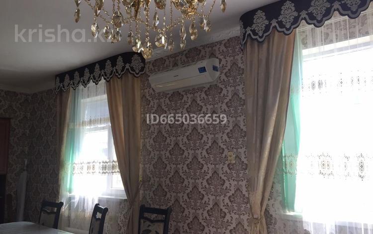 6-комнатный дом, 130 м², 6 сот., Абулхайырхан 103 — Жургенов за 35 млн 〒 в
