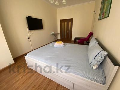 1-комнатная квартира, 60 м², 3/15 этаж посуточно, 17-й мкр 7 за 9 000 〒 в Актау, 17-й мкр