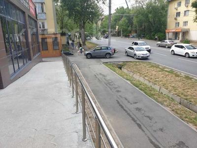 Магазин площадью 253 м², проспект Гагарина 200 за 275 млн 〒 в Алматы, Бостандыкский р-н — фото 2