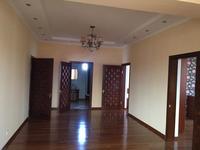 5-комнатный дом помесячно, 360 м², 8 сот.