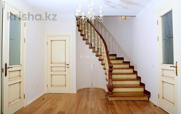 6-комнатный дом помесячно, 400 м², Жамакаева 6 за 1.5 млн 〒 в Алматы, Бостандыкский р-н