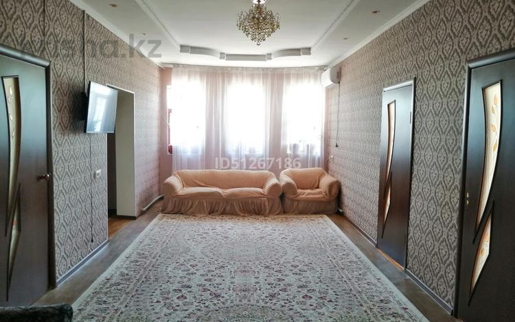 6-комнатный дом, 250 м², 10 сот., Самал 2 424 — Казиева за 35 млн 〒 в Шымкенте, Аль-Фарабийский р-н