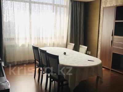 5-комнатная квартира, 200 м², 12/28 этаж помесячно, Байтурсынова 5 за 600 000 〒 в Нур-Султане (Астана) — фото 11