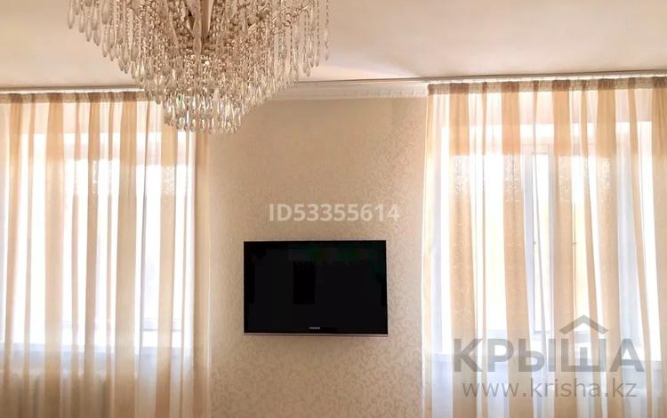 2-комнатная квартира, 68 м², 3/10 этаж, Сатпаева 13/6 за 22 млн 〒 в Усть-Каменогорске