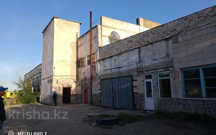 Здание, площадью 3261 м², Би Боранбая 93 за ~ 100 млн 〒 в Семее