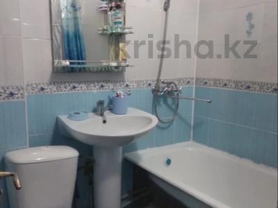 3-комнатная квартира, 56 м², 2/4 этаж, Молдагулова — Жангельдина за 15.5 млн 〒 в Шымкенте, Аль-Фарабийский р-н