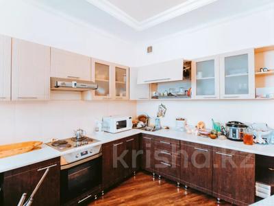 4-комнатная квартира, 165 м², 13/22 этаж, Нажимеденова 10/1 за 53 млн 〒 в Нур-Султане (Астана) — фото 9