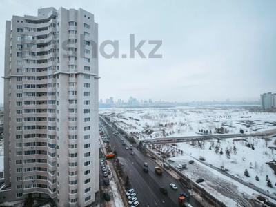 4-комнатная квартира, 165 м², 13/22 этаж, Нажимеденова 10/1 за 53 млн 〒 в Нур-Султане (Астана) — фото 26