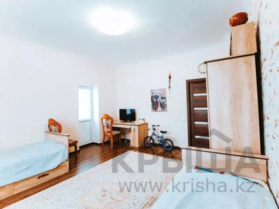4-комнатная квартира, 165 м², 13/22 этаж, Нажимеденова 10/1 за 53 млн 〒 в Нур-Султане (Астана) — фото 13