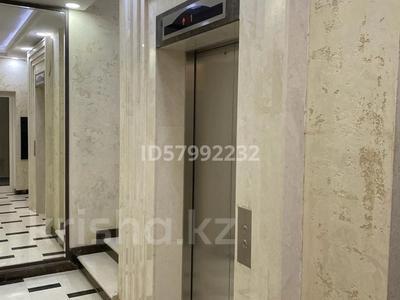 1-комнатная квартира, 42.5 м², 7/8 этаж помесячно, Кабанбай батыра 60/16 — Сауран за 120 000 〒 в Нур-Султане (Астана), Есиль р-н