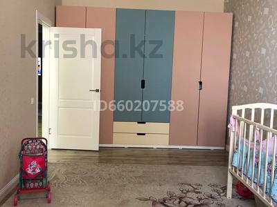 3-комнатная квартира, 91 м², 6/9 этаж помесячно, Камзина 41/3 за 200 000 〒 в Павлодаре — фото 3