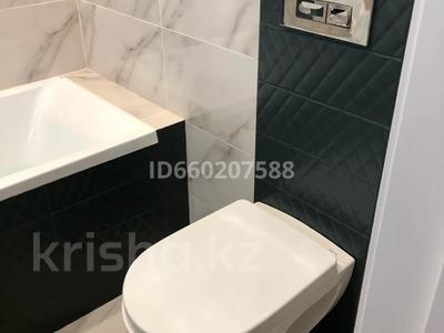 3-комнатная квартира, 91 м², 6/9 этаж помесячно, Камзина 41/3 за 200 000 〒 в Павлодаре — фото 6