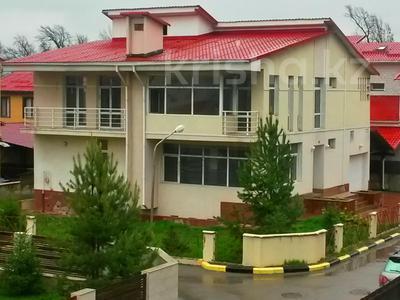 4-комнатный дом, 368 м², мкр Думан-2 за 39 млн 〒 в Алматы, Медеуский р-н