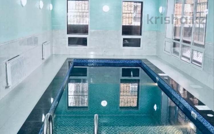 9-комнатный дом помесячно, 640 м², 15 сот., Кыз жибек 37 за 3 млн 〒 в Нур-Султане (Астана), Есиль р-н
