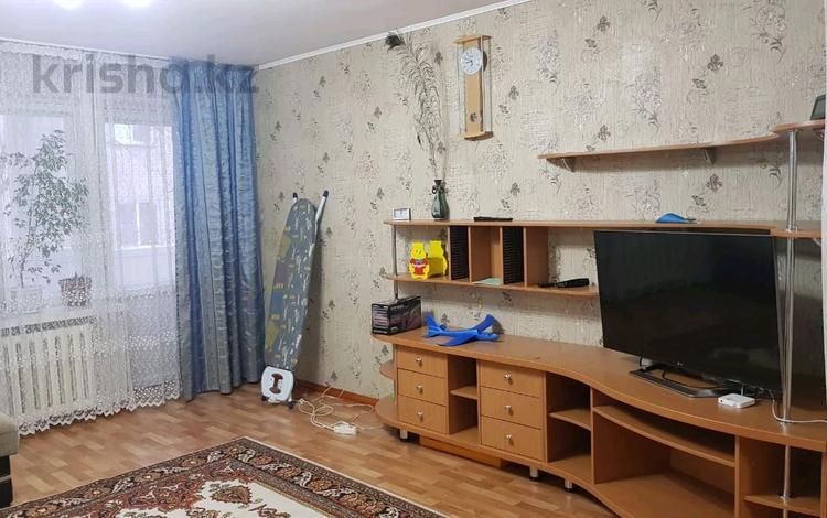3-комнатная квартира, 72 м², 3 этаж на длительный срок, проспект Ауэзова 4/1 за 150 000 〒 в Усть-Каменогорске
