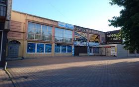 Помещение площадью 40 м², Нуркена Абдирова 4 — Букар Жырау за 100 000 〒 в Караганде, Казыбек би р-н
