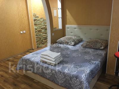1-комнатная квартира, 33 м², 2/3 этаж посуточно, 72 квартал 13 за 8 000 〒 в Семее