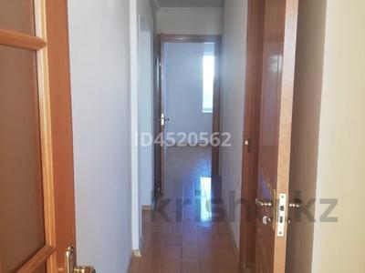4-комнатная квартира, 100 м², 4/9 этаж, Сатпаева 253 — Ломова за 25 млн 〒 в Павлодаре — фото 2