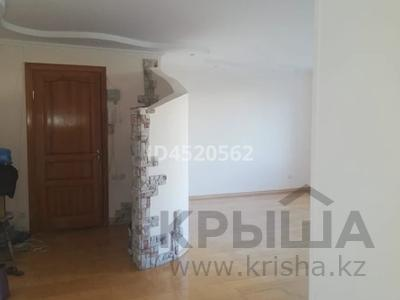 4-комнатная квартира, 100 м², 4/9 этаж, Сатпаева 253 — Ломова за 25 млн 〒 в Павлодаре — фото 5