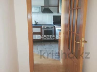 4-комнатная квартира, 100 м², 4/9 этаж, Сатпаева 253 — Ломова за 25 млн 〒 в Павлодаре — фото 12