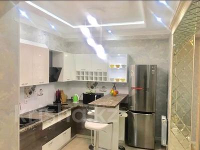 2-комнатная квартира, 100 м², 9/11 этаж посуточно, проспект Алии Молдагуловой 44 — Санкибай батыра за 14 990 〒 в Актобе — фото 3