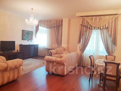 2-комнатная квартира, 90 м², 13 этаж, Динмухамеда Кунаева — Акмешит за 33.6 млн 〒 в Нур-Султане (Астана), Есиль р-н