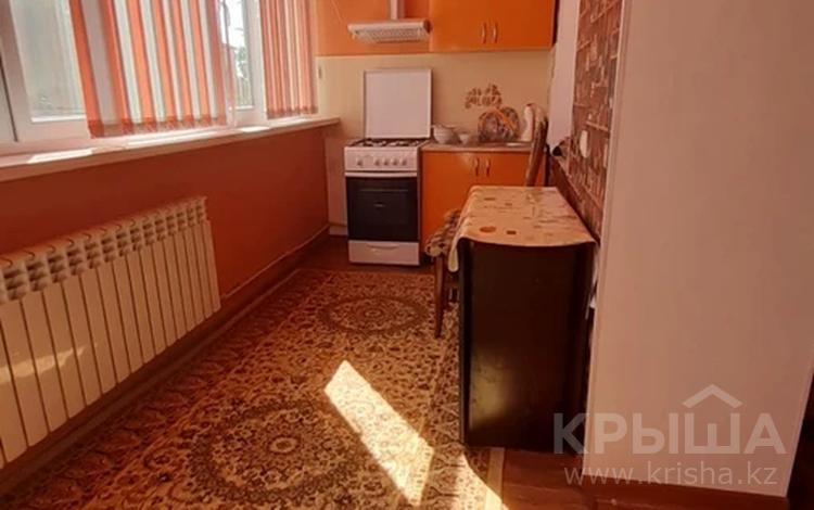 2-комнатная квартира, 56 м², 2/5 этаж на длительный срок, Желтоксан 80 за 140 000 〒 в Таразе