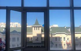 2-комнатная квартира, 72 м², 3/12 этаж, проспект Бауыржана Момышулы за 23.8 млн 〒 в Нур-Султане (Астана), Алматы р-н