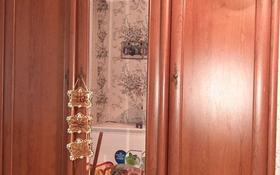 2-комнатная квартира, 55 м², 1/5 этаж, Докучаева 1 за 11 млн 〒 в Семее