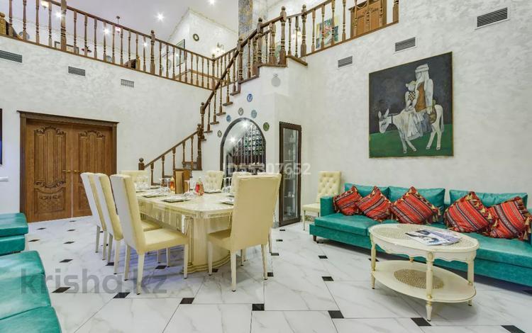 5-комнатный дом посуточно, 220 м², 27 сот., Керей и Жанибек Хандар 452 за 350 000 〒 в Алматы, Медеуский р-н